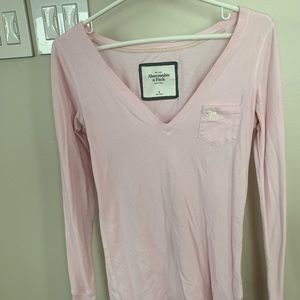 Abercrombie & Fitch long sleeve v-neck top